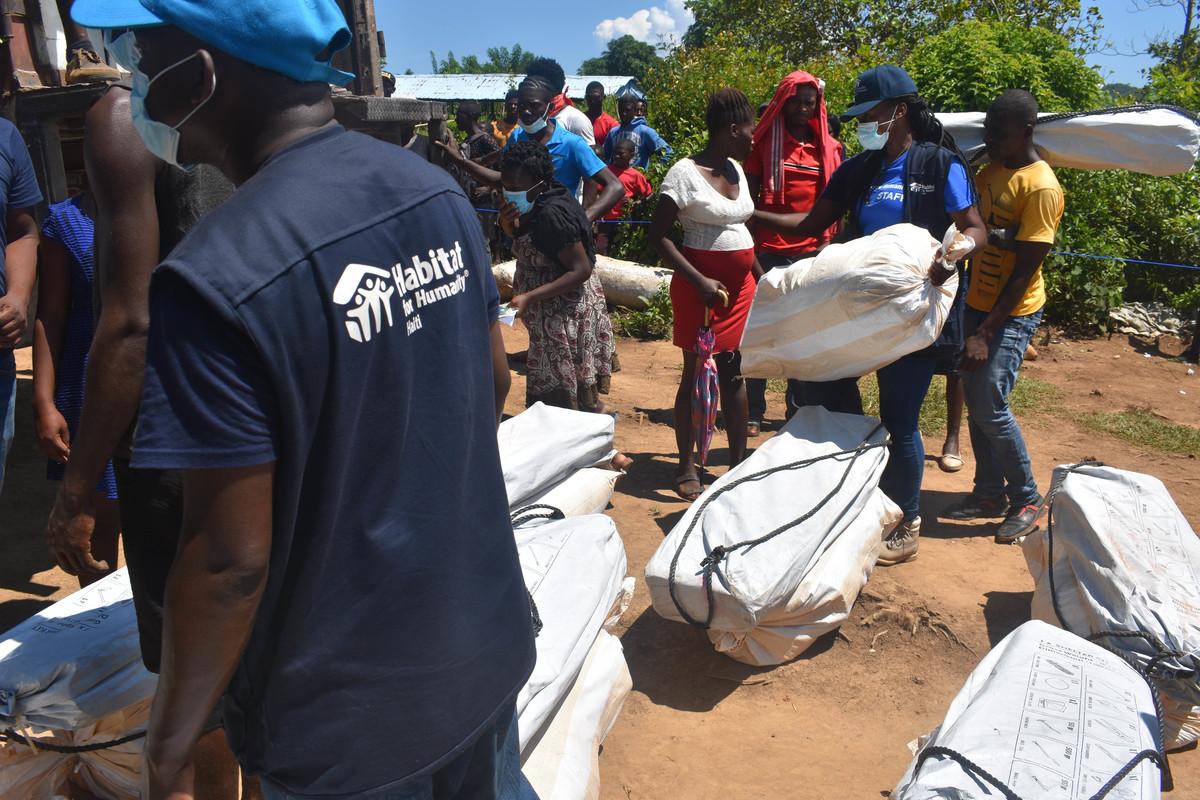 people receiving aid
